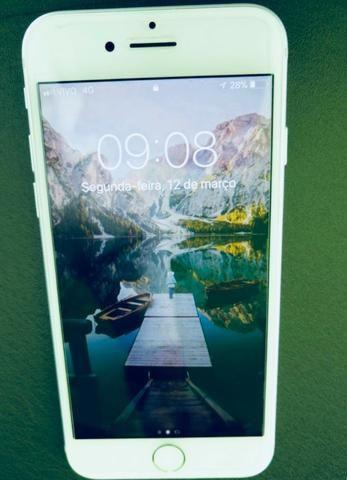 Apple iPhone 7 32GB Prata (Silver)