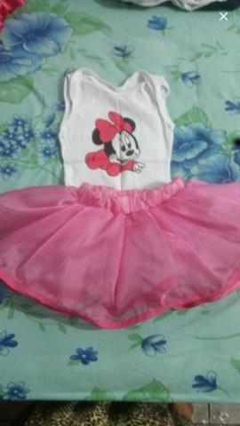 Vendo saia rosa com borry da Minnie.