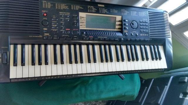 Teclado Yamaha PSR-730 - raridade!