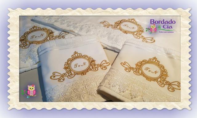 b48054c929 Kit Toalhas Banho E Rosto Personalizadas Brasão Com Iniciais ...