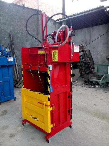 Prensa Enfardadeira Fardos 150K R$7,500,00 SÒ NA MetalurgicaMenonita(