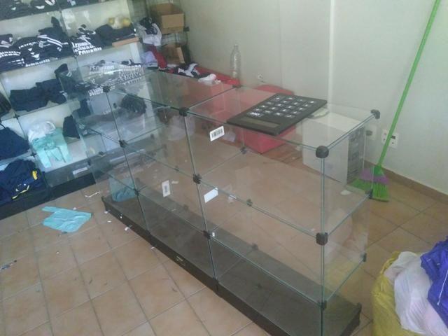 Balcão de vidro, prateleira