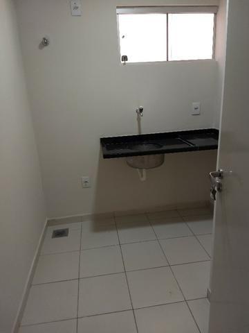 Alugo imóvel térreo no Centro com 4 salas, recepção, 2 Wc's, copa e depósito - Foto 16