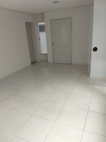 Alugo imóvel térreo no Centro com 4 salas, recepção, 2 Wc's, copa e depósito - Foto 8