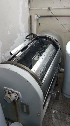 Máquina de lavar roupa industrial e centeifuga