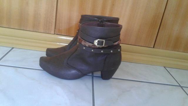 1175993df8 Bota Zutti feminina TAM. 37 - Roupas e calçados - Braga