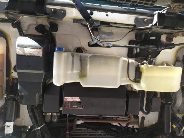 Iveco 330 ano 2011 Teto alto com ar condicionado Revisado - Foto 6