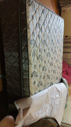 Cama box casal- padrao- 1.88 x 1.38 x 0.53 - cinza estampada- pouco uso- Marca Eurosono - Foto 2