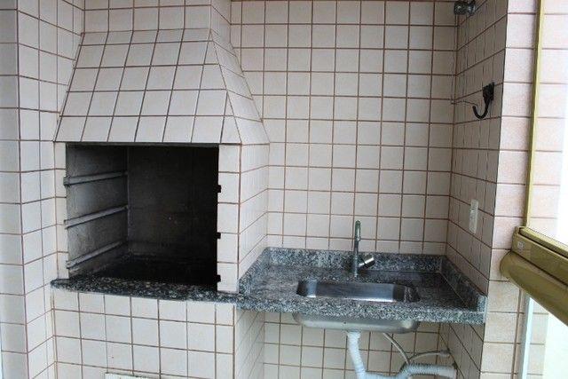 A008 - Apartamento frente mar com sacada gourmet - Foto 11