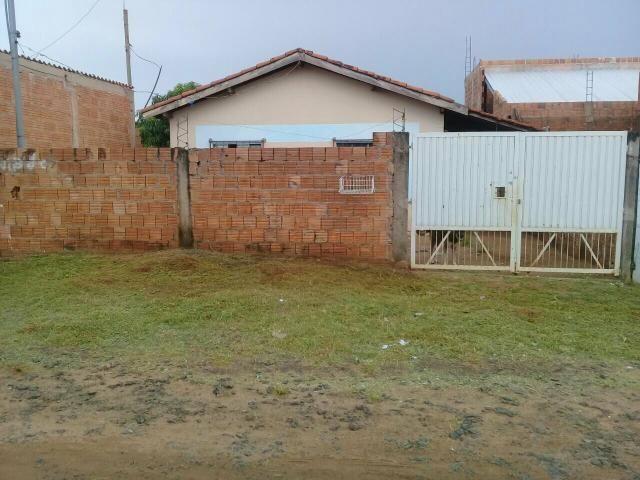 Vendo casa no bairro Serra Ville região do noroeste pego carro