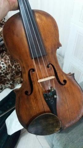 Violino de origem italiano muito antigo