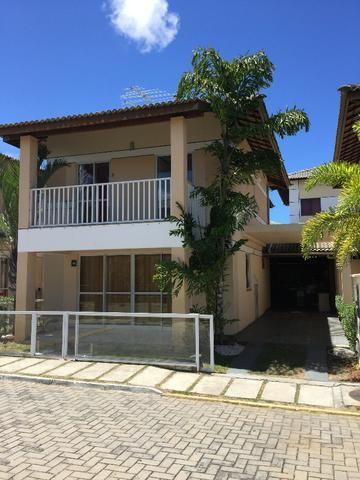 Casa solta 4/4 2 Suítes 3 Vagas em Condomínio Frechado com infraestrutura completa