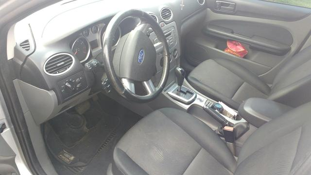 Ford Focus Sedan automático - Foto 4