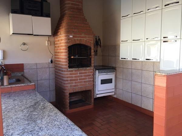 Casa com área de lazer e pomar - Foto 3