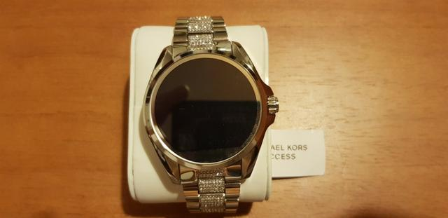 ea7e503ae9d1b Smartwatch Michael Kors - MKT 5000 - Bijouterias