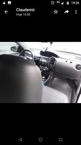 Vendo Toyota Etios - Foto 9