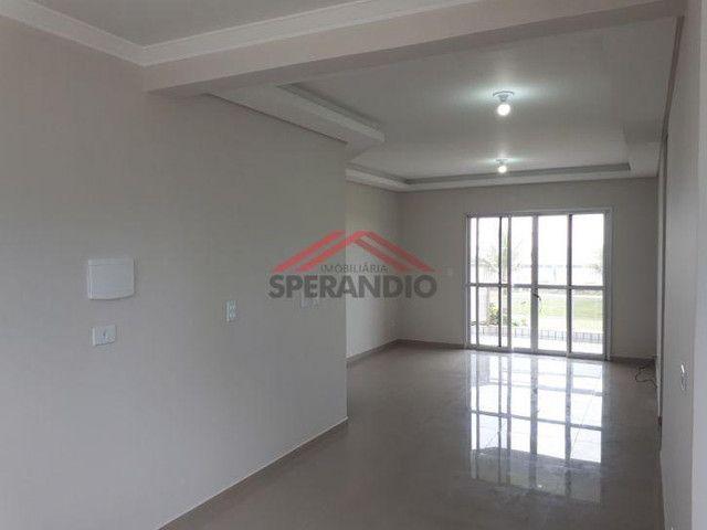 Apartamento térreo, FRENTE MAR em condomínio - Com 01 suíte + 02 quartos - Foto 5