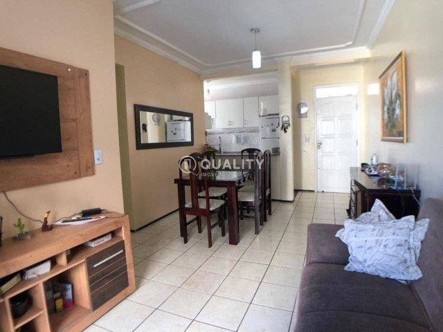 Apartamento no Montese com 3 dormitórios à venda, 65 m² por R$ 245.000