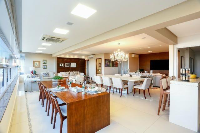 Apartamento com 4 suites na Alameda das Rosas