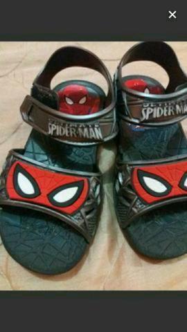 Sandália homem aranha