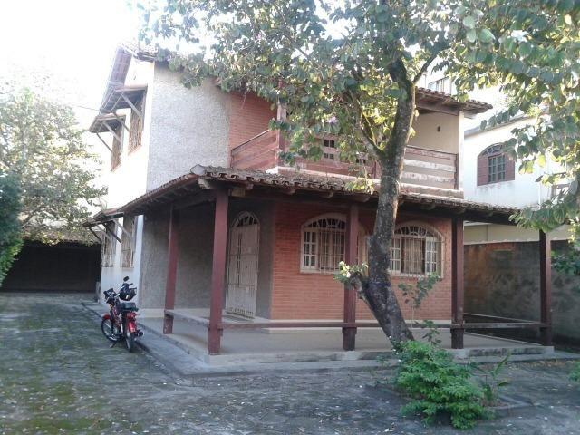 Duplex, 03 quartos sendo 01 suíte, a 250m da Pedra de Itaóca