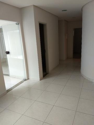 Alugo imóvel térreo no Centro com 4 salas, recepção, 2 Wc's, copa e depósito - Foto 11