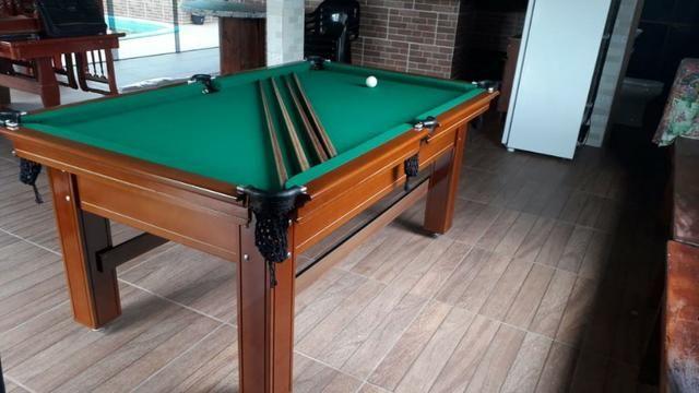 Mesa Tentação de 4 Pés Cor Imbuia Tecido Verde Mod. ZLGA1227