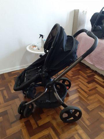 Carrinho Mothercare e bebê conforto Maxi Cosi
