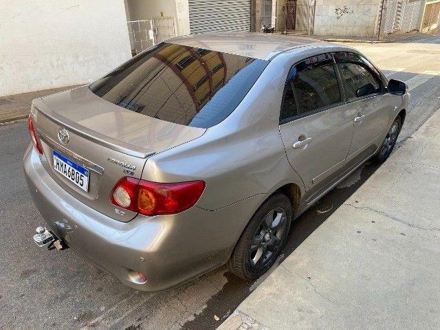 Toyota Corolla 2011 Xei 2.0 Automático novinho e sem detalhes! Troco e Financio! - Foto 8
