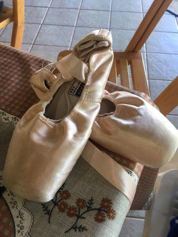 Sapatilha de ballet de ponta com ponteiras de silicone Capezio - Foto 2