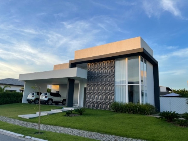 Casa linda , térrea e com 4 suítes no Laguna.