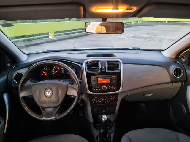 Renault Logan 1.6 8v - Flex - Ano 2016 - Foto 9