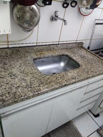 Armario de cozinha c/bancada de granito e cuba inox