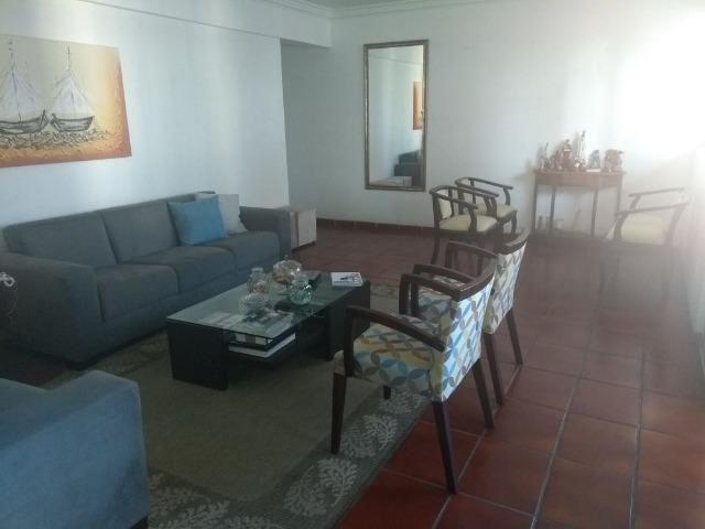 Apto 04 quartos, 03 suítes, próximo ao Shopping Center Recife