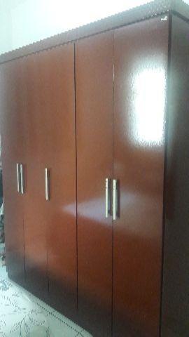 Quarda-roupa 5 portas
