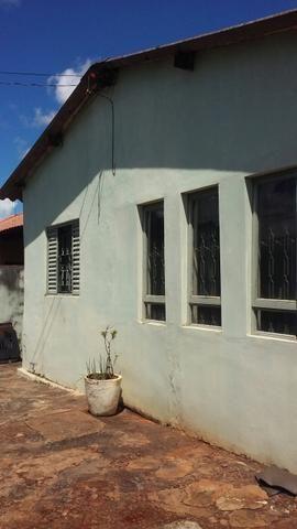 Vendo uma casa no bairro Planalto