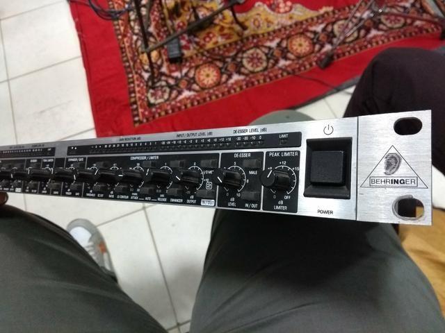Compressor de audio Behringer