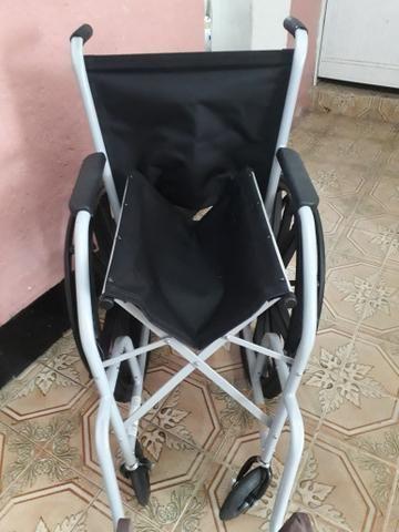 Cadeira de rodas novíssima