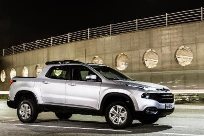 FIAT  TORO 1.8 16V EVO FLEX FREEDOM AT6 2018
