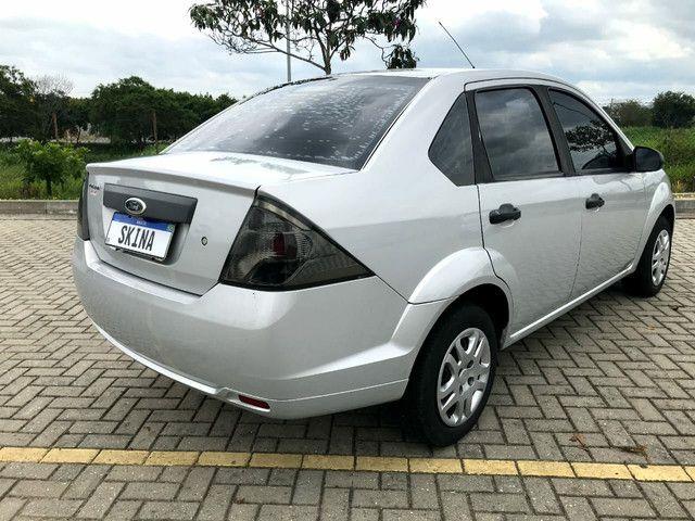 Fiesta Sedan 1.0 2013 Bx.km - Foto 4