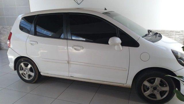 Vende-se Hoda Fit 2008 com motor novo comprado na concessionária.