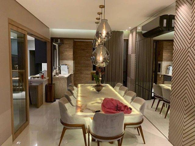 Apartamento para venda no Edifício Royal President com 271 metros quadrados em Quilombo -C