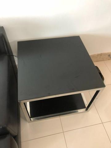 Mesa quadrada de canto
