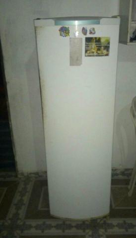 Geladeira usada funcionando normal