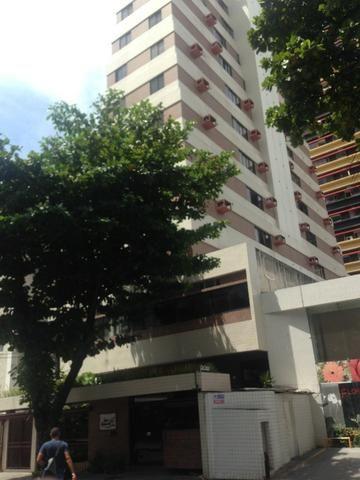 Apartamento Mobiliado com um Quarto, Sala e Cozinha no Bairro de Boa Viagem, Recife-PE