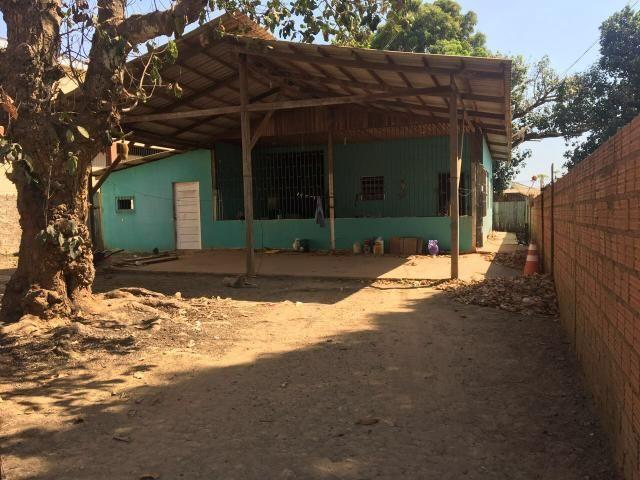Casa com terreno grande próx ao hospital de Sntn
