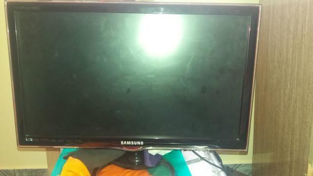 Tv Samsung de led 24 polegadas HDMI semi nova