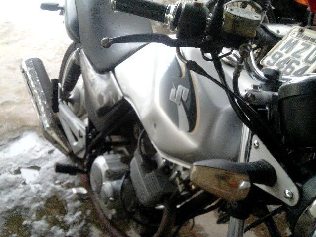 Suzuki 125cc - vendo ou troco por dafra