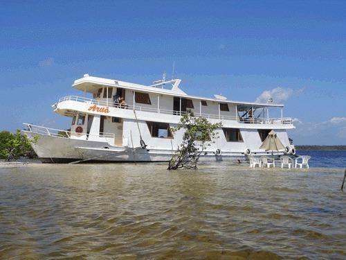 Aluguel e fretamento de barco para passeios