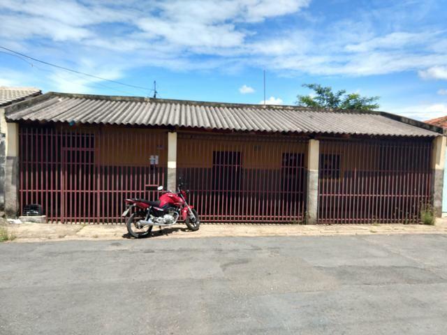Vende-Se casa no bairro Santa Isabel/Cba